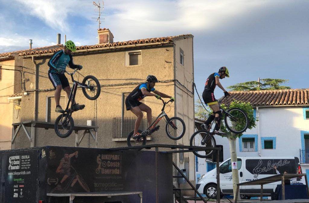 Fotografías de la exhibición de Bike Trial celebrada el pasado sábado en la Plaza Agustina de Aragón